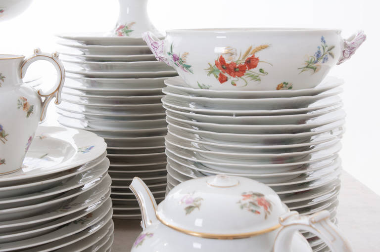 French 19th Century Floral 102 Piece Dinner Service 4