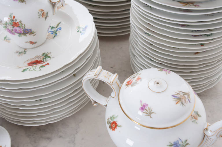 French 19th Century Floral 102 Piece Dinner Service 9
