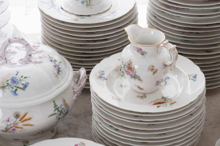 French 19th Century Floral 102 Piece Dinner Service 10