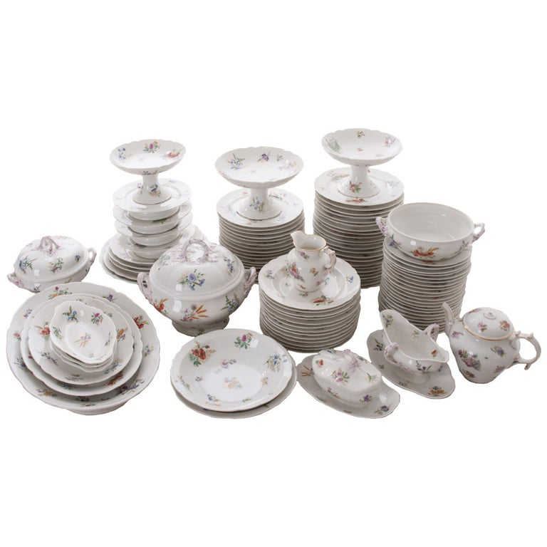 French 19th Century Floral 102 Piece Dinner Service For Sale