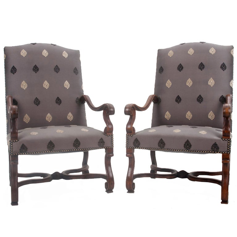 Pair Of French 20th Century Louis XIV Style Walnut Chairs 1