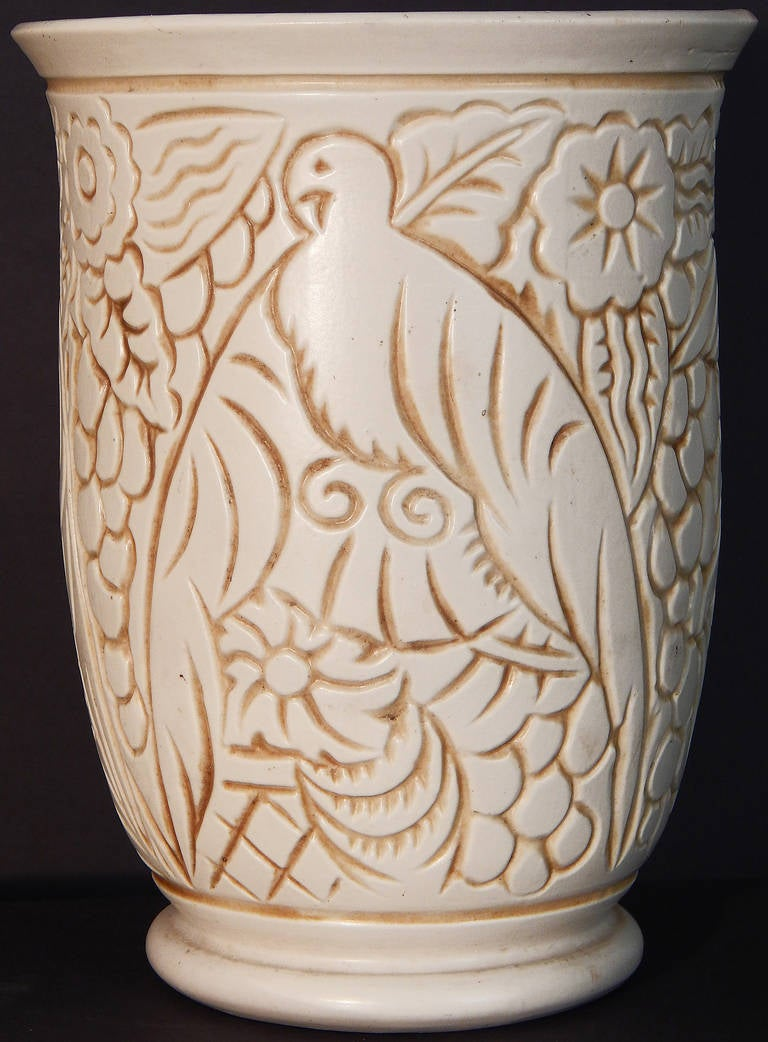 superb art deco vase with tropical bird motif george. Black Bedroom Furniture Sets. Home Design Ideas