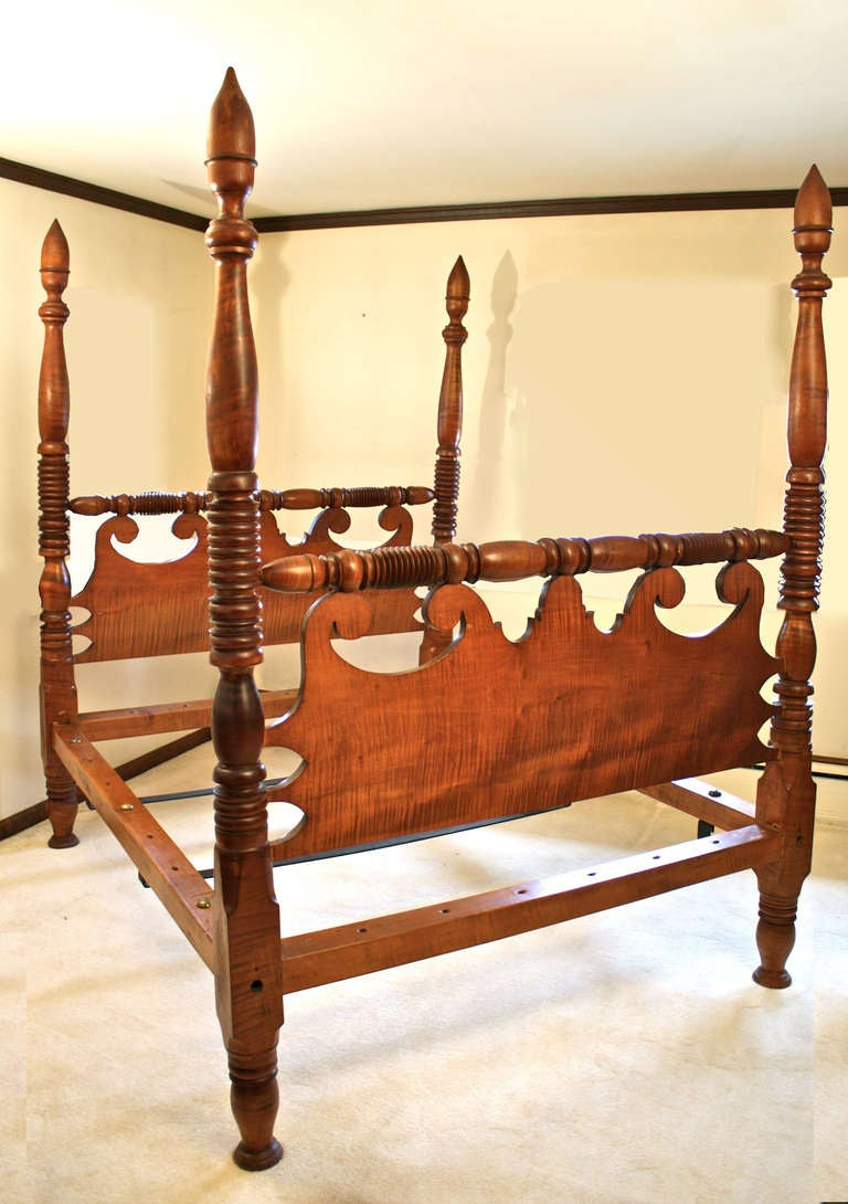Sheraton Tiger Maple Four Poster Bed For Sale At 1stdibs