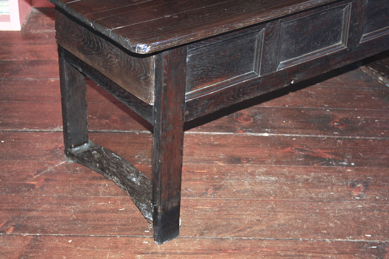 Chestnut Early Georgian Refectory Table For Sale