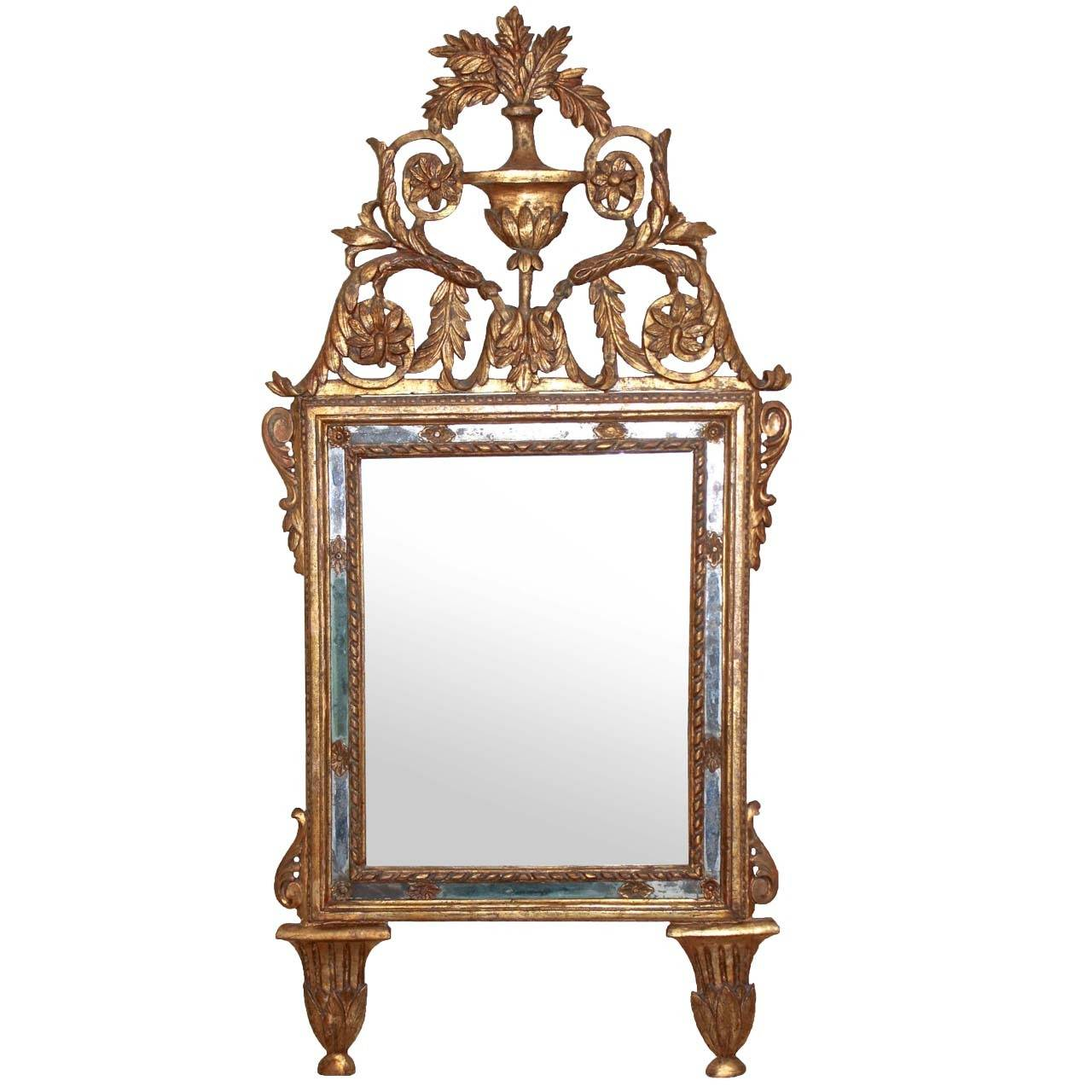 Italian Neoclassical Carved Giltwood Mirror For Sale