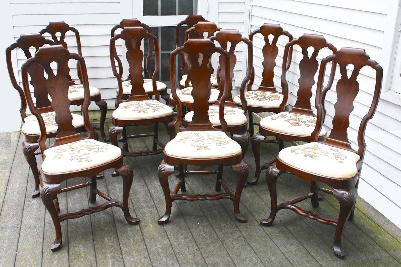 Hand-Carved FOURTEEN American Queen Anne Revival Dining Chairs For Sale