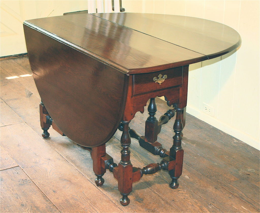 William and mary oval drop leaf gate leg dining table at for Dining room table replacement leaf