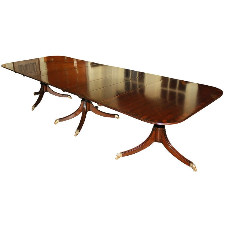 Mahogany Triple Pedestal Rosewood Banded Dining Table at  : XXX8667128839907 from www.1stdibs.com size 768 x 768 jpeg 32kB