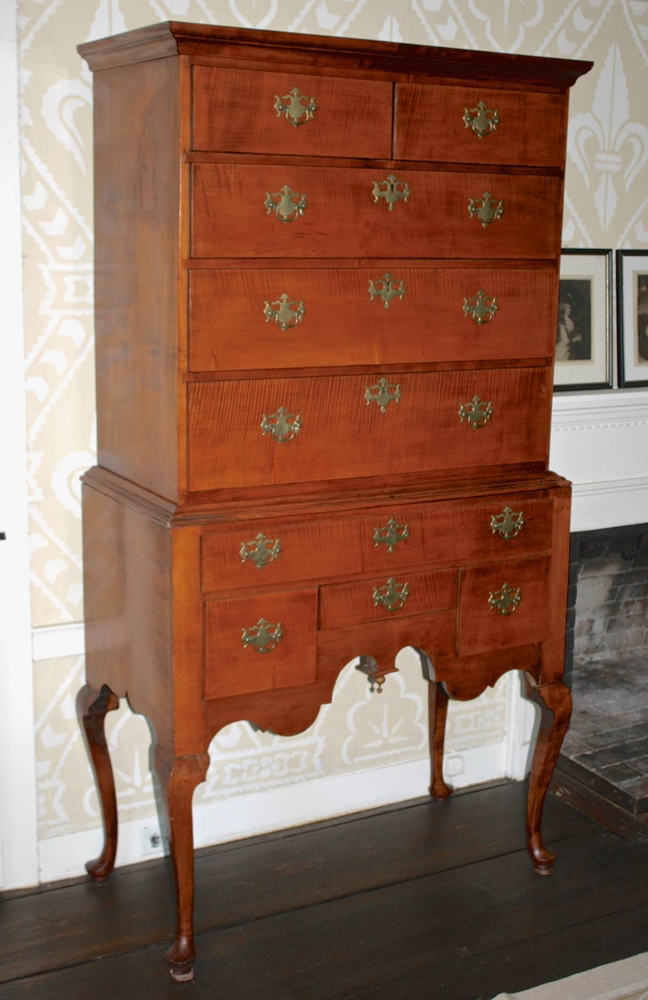 American Colonial Newport Queen Anne Tiger Maple Highboy - Christopher Townsend Shop For Sale