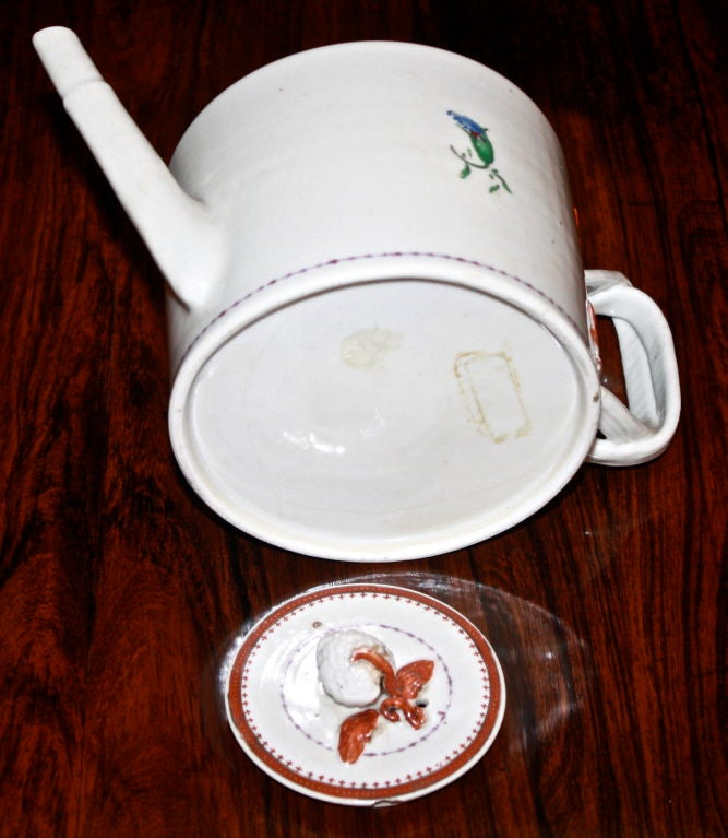 Chinese Export Porcelain 'Pineberry' Finial Teapot 7