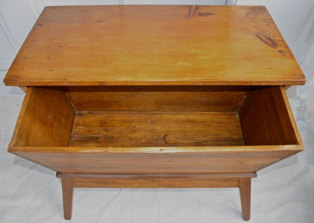 Pennsylvania Dough Box Table 4