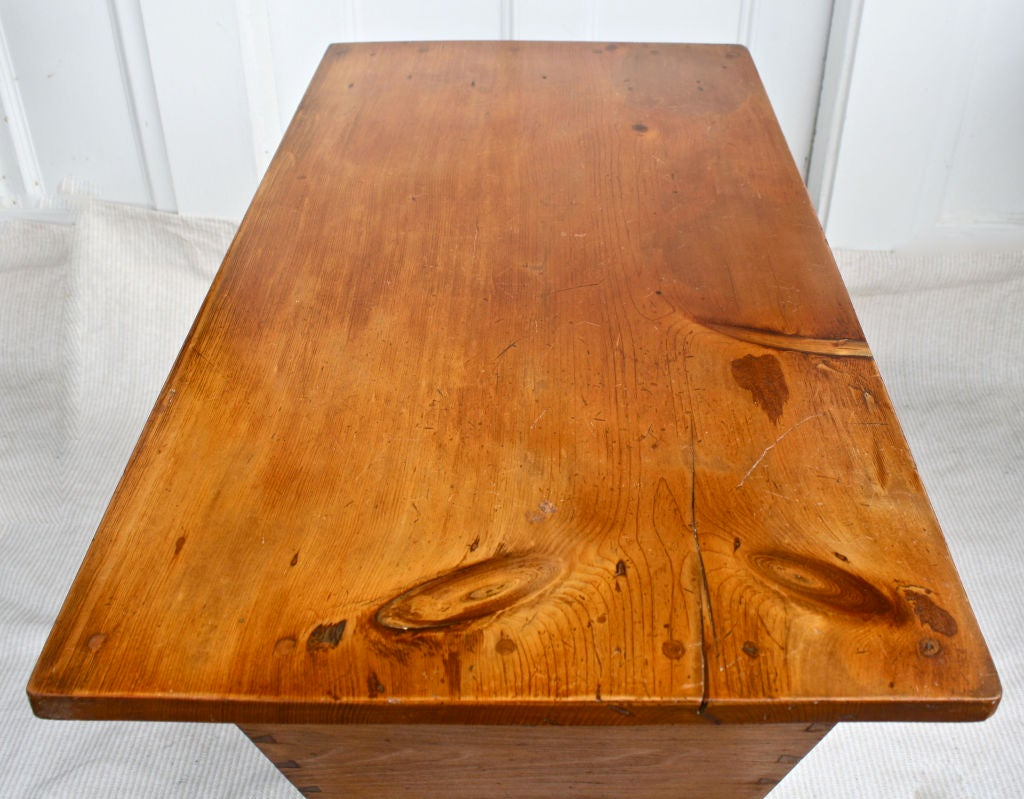 Pennsylvania Dough Box Table 6