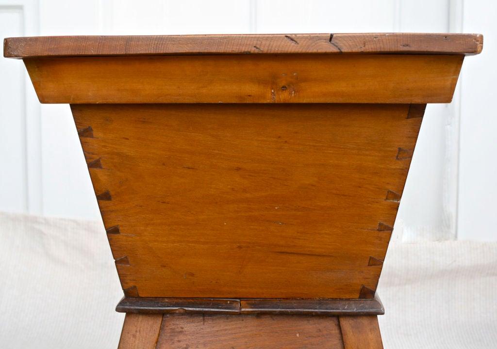 Pennsylvania Dough Box Table image 8