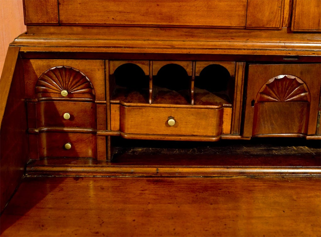 Rhode Island Chippendale - Goddard School Secretary Bookcase In Good Condition For Sale In Woodbury, CT