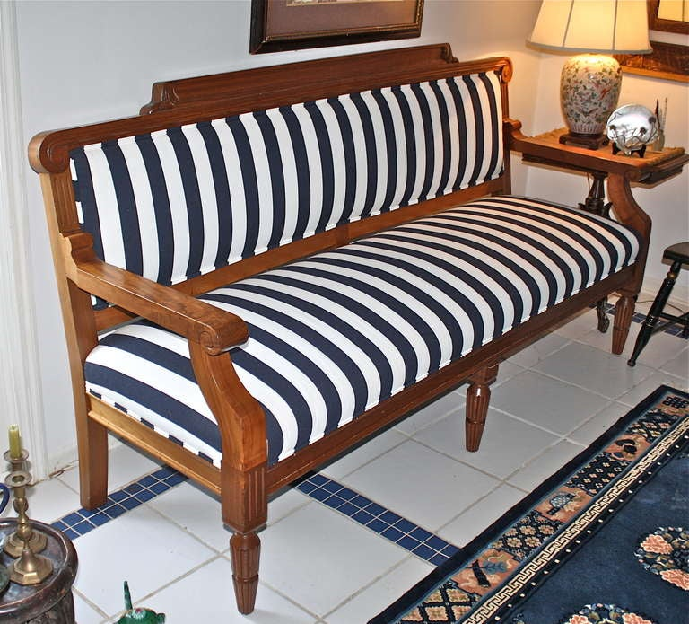 American Arts & Crafts Movement Settee For Sale