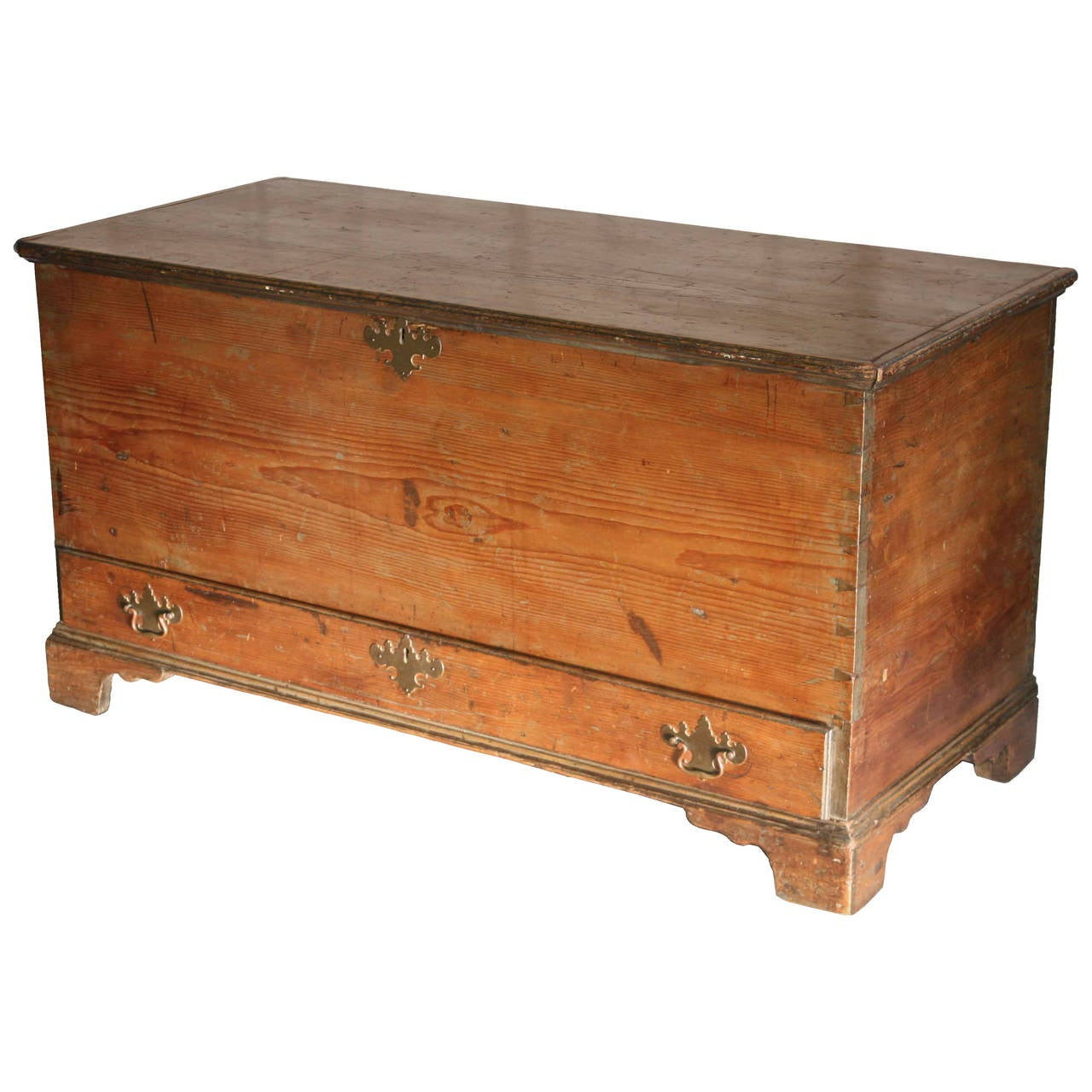 American Dovetailed Pine Blanket Chest with Drawer