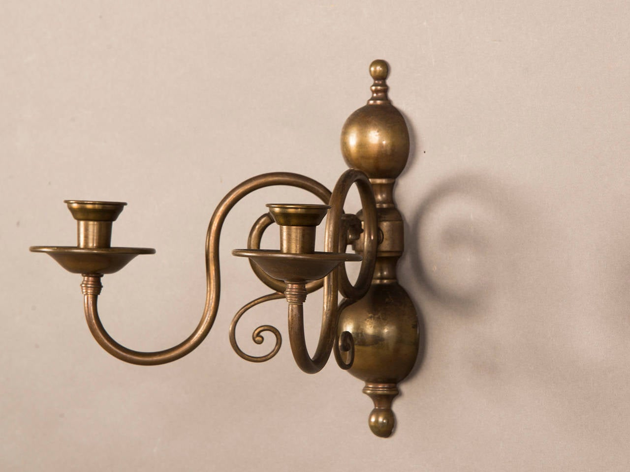 Pair of Two Antique Dutch Arm Bronze Sconces circa 1920 In Excellent Condition For Sale In Houston, TX