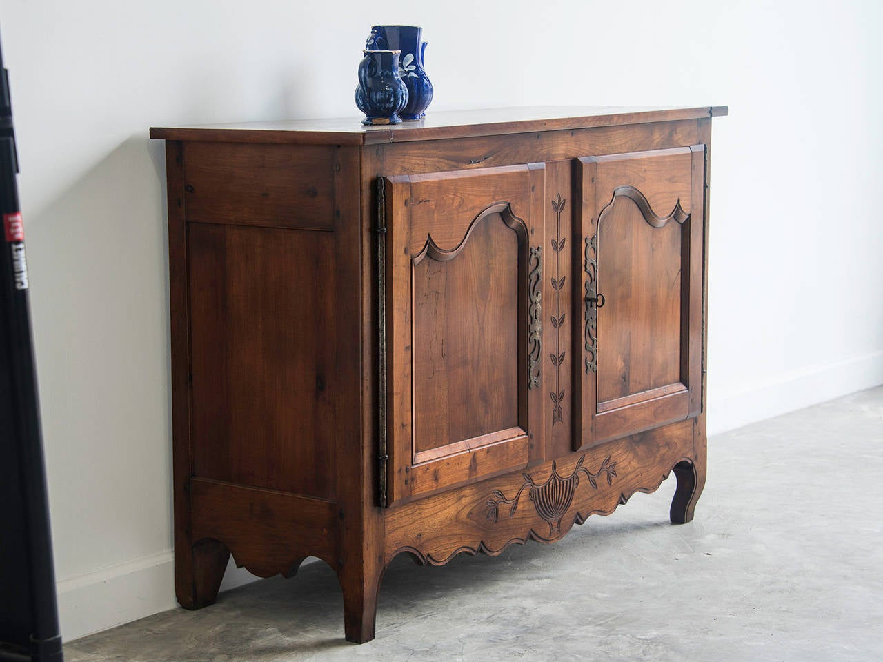 antique french transitional period cherrywood buffet bas d. Black Bedroom Furniture Sets. Home Design Ideas