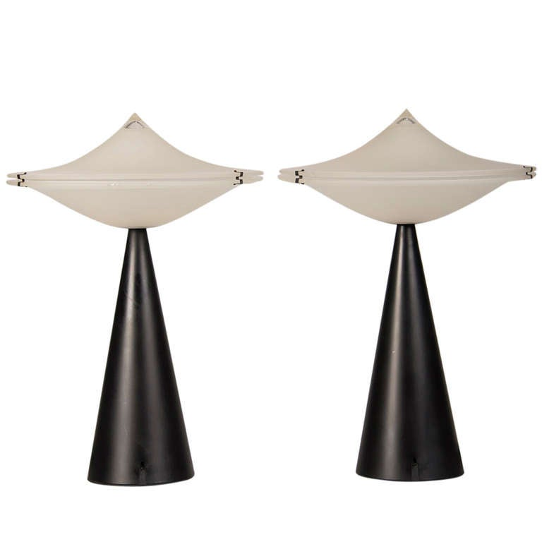 vintage italian tre ci luce alien lamps designer cesaro l circa 1975 for sale at 1stdibs. Black Bedroom Furniture Sets. Home Design Ideas