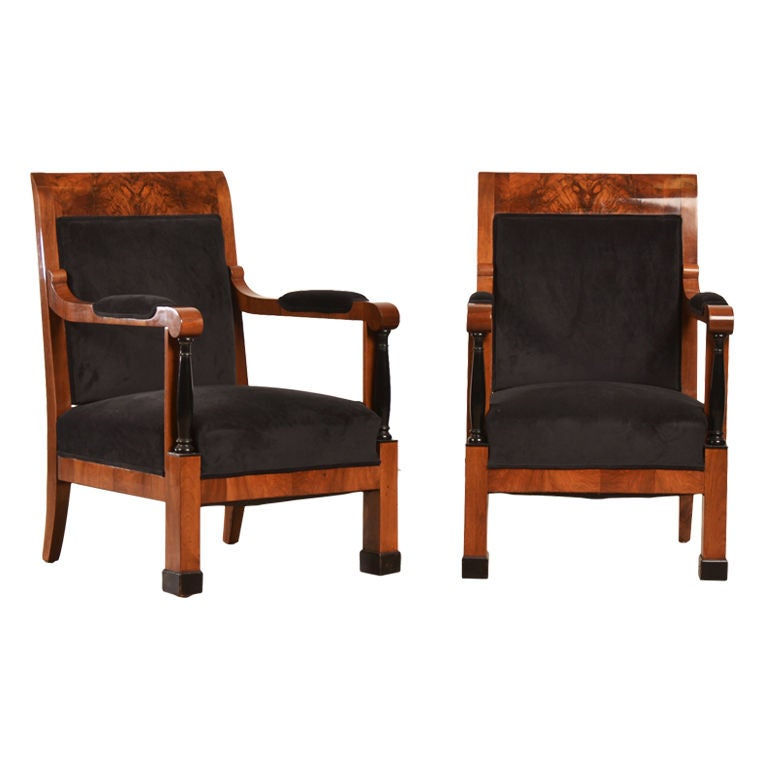 Biedermeier period pair of figured walnut armchairs for Furniture 1825