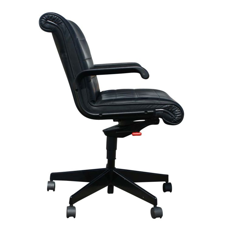 Eight Richard Sapper For Knoll Executive Desk Chairs At 1stdibs