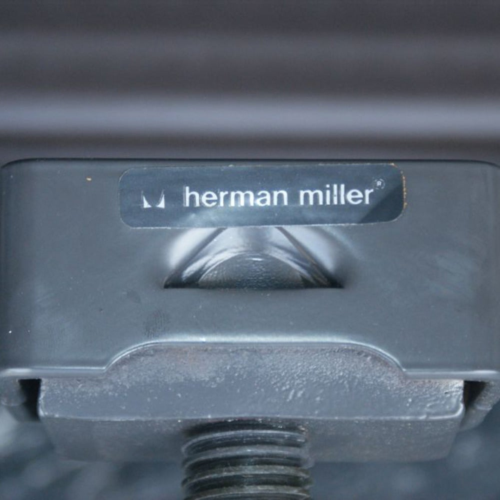 Aluminum One Eames For Herman Miller Executive Chair For Sale