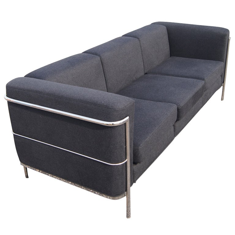 Le corbusier style sofa at 1stdibs for Le corbusier sofa nachbau