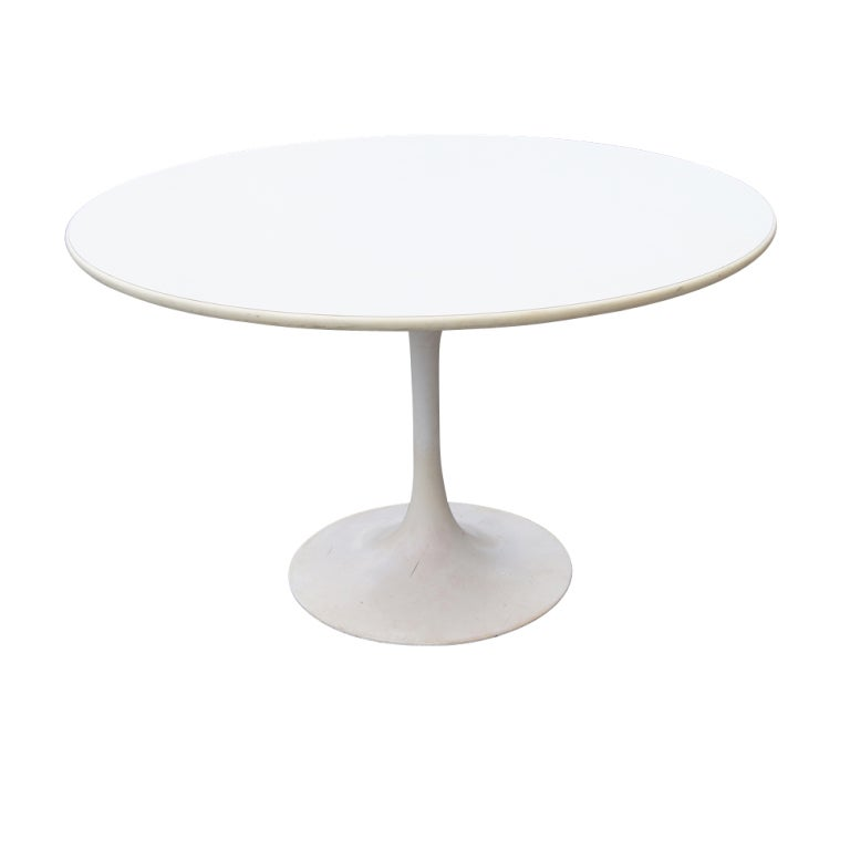 Saarinen Style Tulip Dining Set Table and Chairs For Sale at 1stdibs