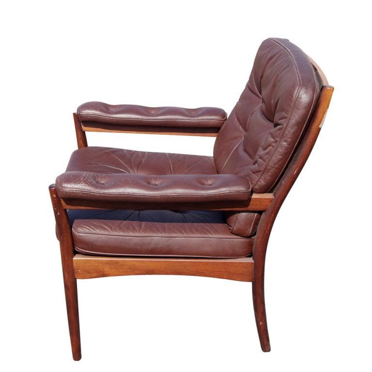 g m bel scandinavian walnut and leather lounge chair for sale at 1stdibs. Black Bedroom Furniture Sets. Home Design Ideas