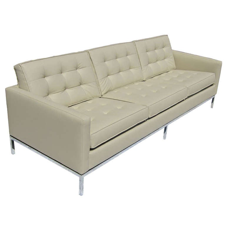 Florence knoll tufted leather sofa for sale at 1stdibs for Tufted couches for sale