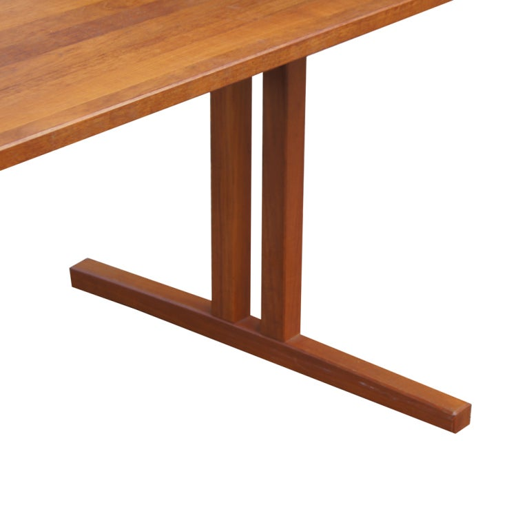 Mid Century Modern Teak Extension Dining Table In Good Condition For Sale In Pasadena, TX