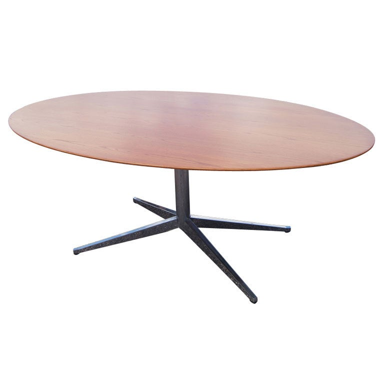 florence knoll for knoll oval oak dining table desk for sale at 1stdibs. Black Bedroom Furniture Sets. Home Design Ideas