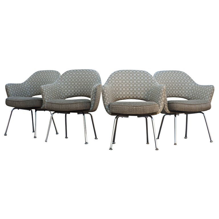 this four eero saarinen for knoll arm chairs is no longer available