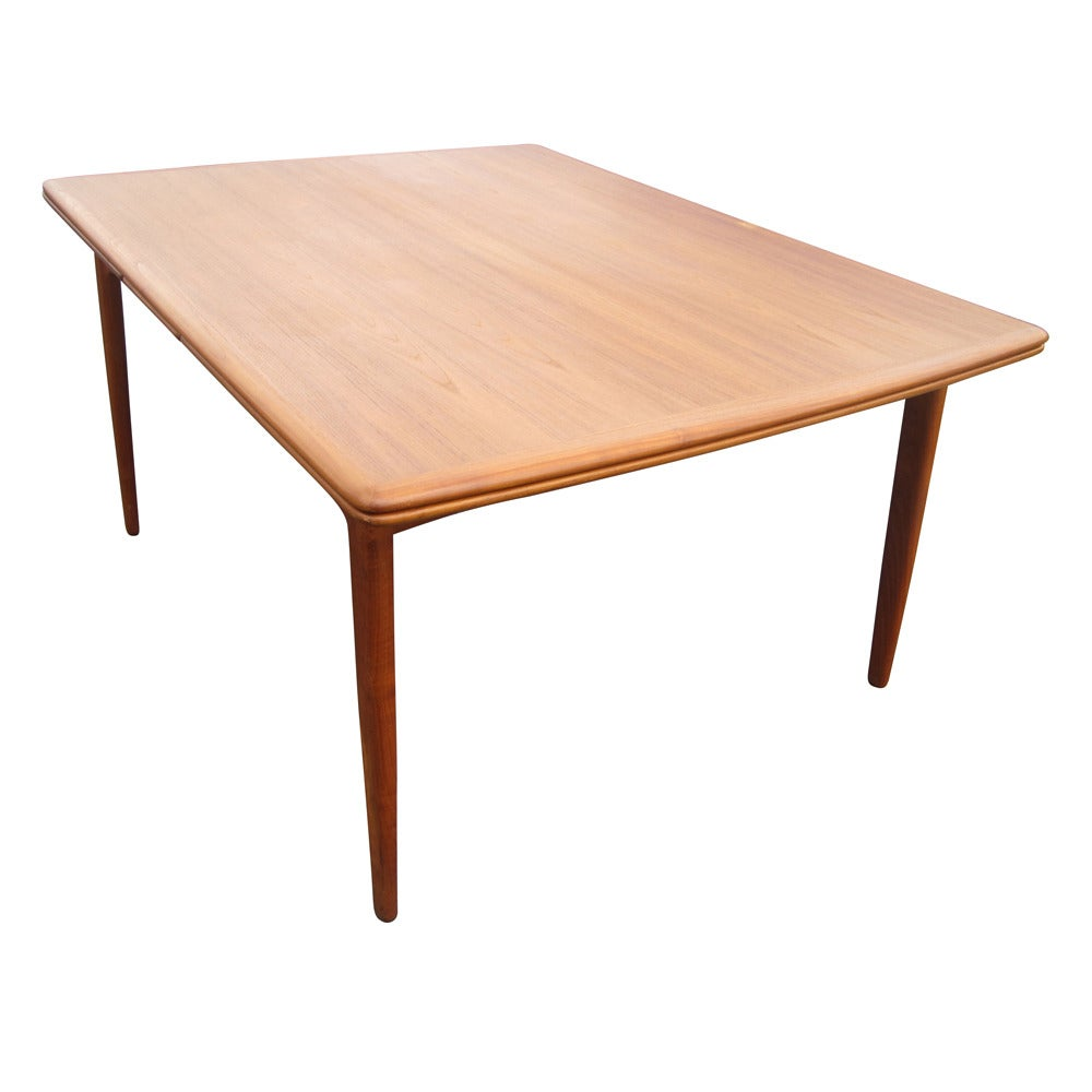 Danish Teak Dining Table with Sliding Leaves Designed by  : add10danishexpandabledinigtable08 1 from 1stdibs.com size 1000 x 1000 jpeg 48kB