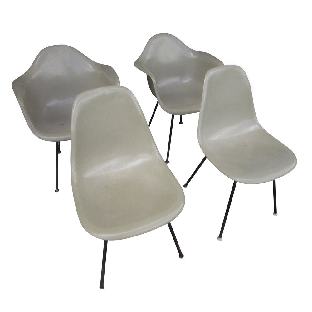 Vintage mid century modern fiberglass shell chair by eames for herman miller - Herman miller chair eames ...