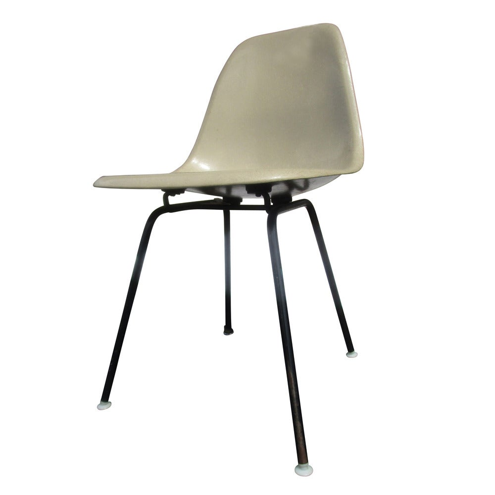 Vintage Mid Century Modern Fiberglass Shell Chair By Eames For Herman Miller
