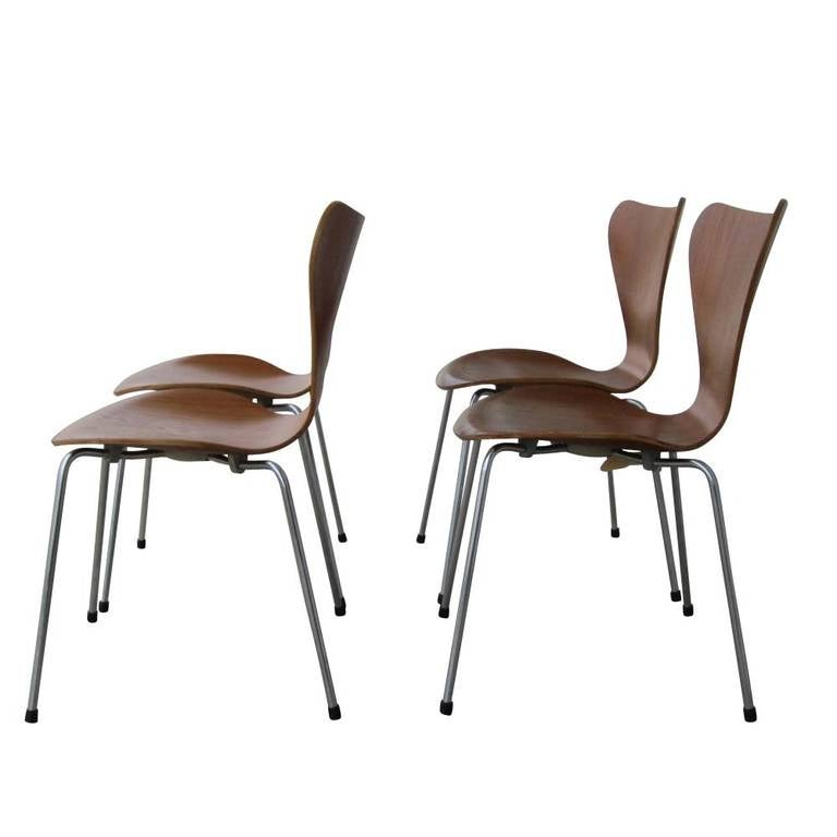 Set Of Four Vintage Series 7 Chairs Designed By Arne Jacobsen For