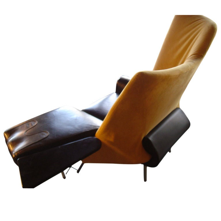 Paolo deganello for cassina torso chaise lounge at 1stdibs for Cassina chaise lounge