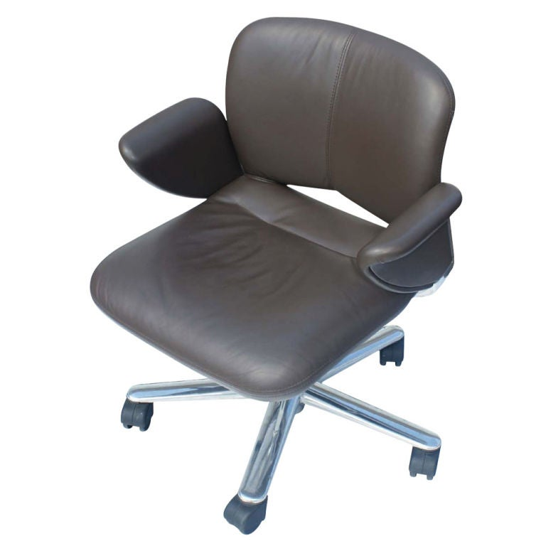 Herman Miller Aeron Executive Chair Front