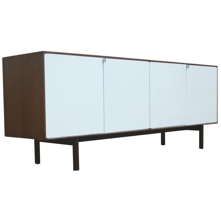 florence knoll for knoll walnut buffet credenza at 1stdibs. Black Bedroom Furniture Sets. Home Design Ideas