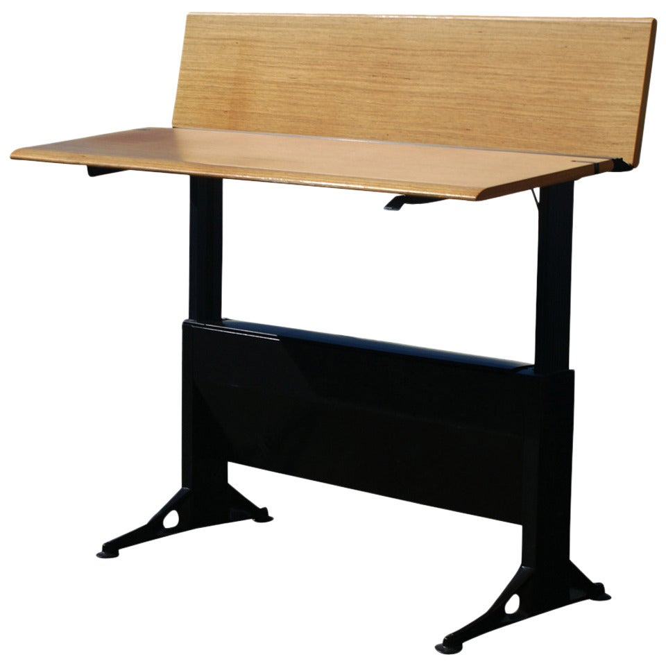 Herman Miller Stand Up Relay Desk by Geoff Hollington 50% 1