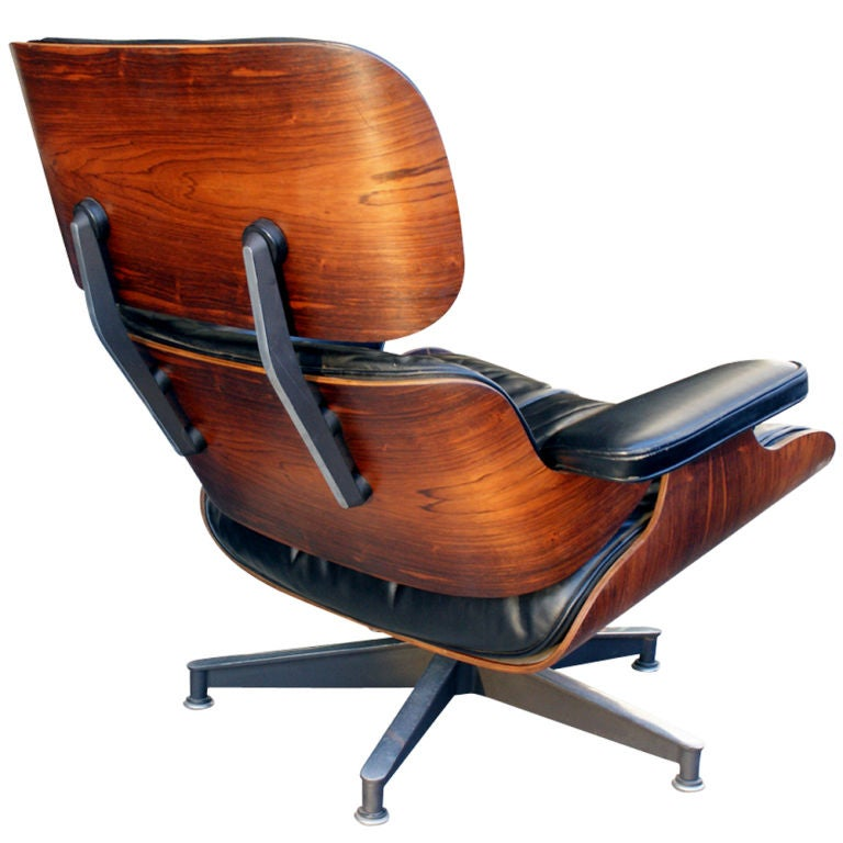 Mid-Century Modern  Herman Miller Eames Lounge and Ottoman For Sale
