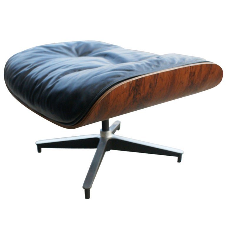 Herman Miller Eames Lounge and Ottoman In Good Condition For Sale In Pasadena, TX