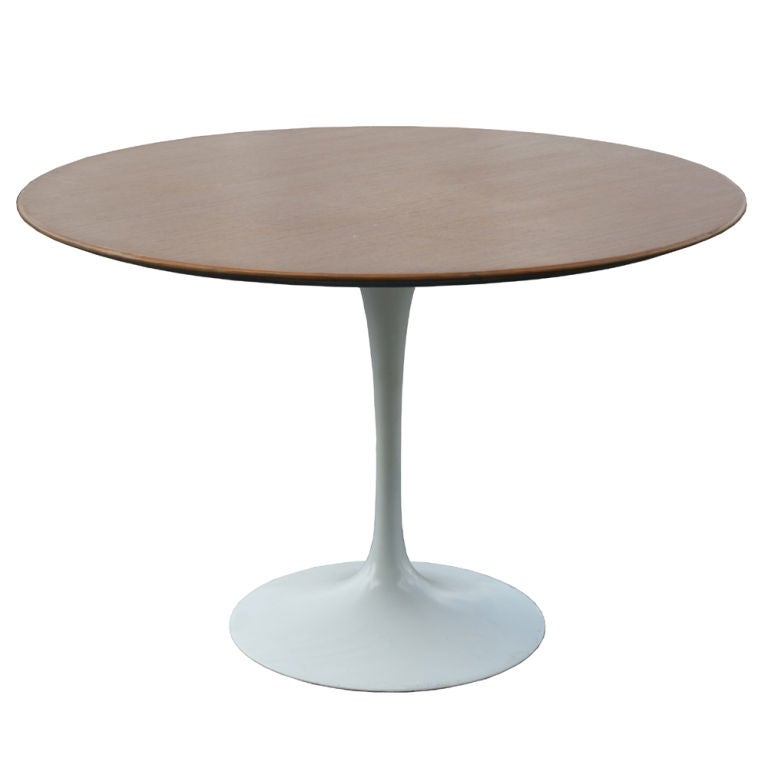 eero saarinen for knoll round walnut dining table at 1stdibs. Black Bedroom Furniture Sets. Home Design Ideas
