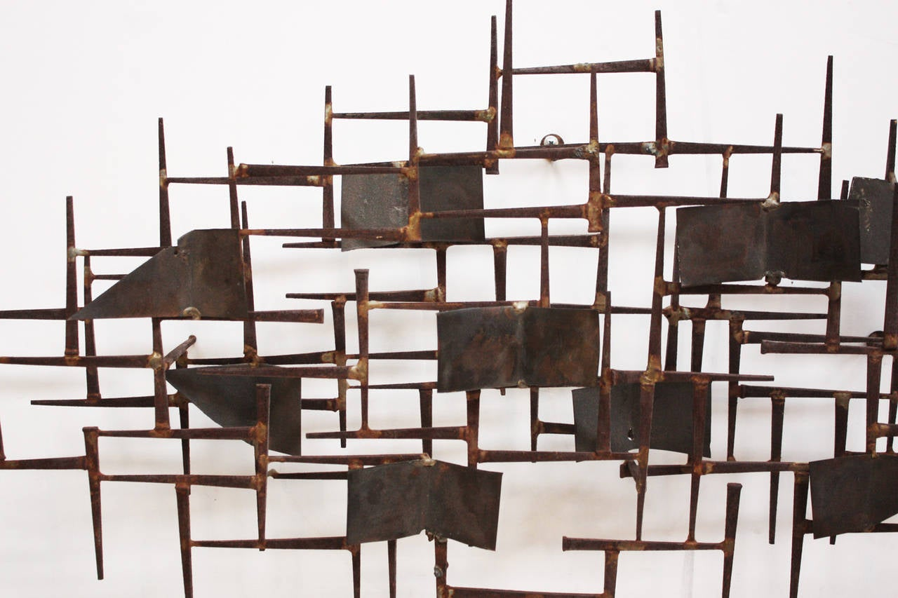 mid century modern wall sculpture after william bowie at 1stdibs. Black Bedroom Furniture Sets. Home Design Ideas