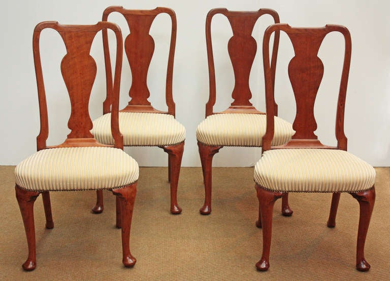 Set of Georgian Chairs with Urn Form Splats / Queen Anne Style 2