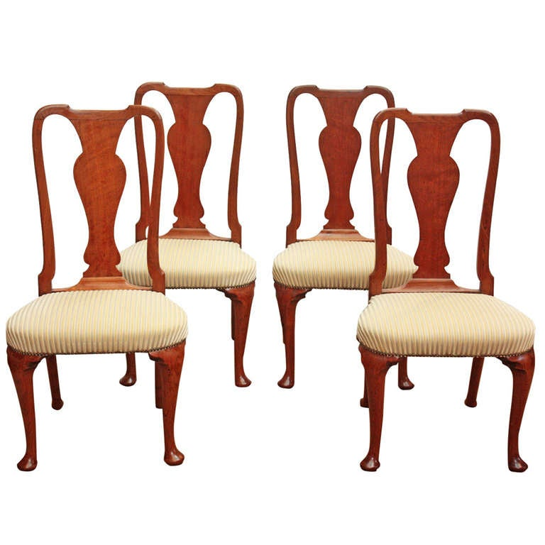 Set of Georgian Chairs with Urn Form Splats / Queen Anne Style 1