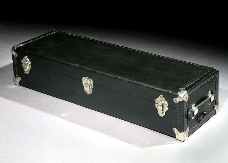 French Automobile 'Running-Board' picnic trunk. For Sale