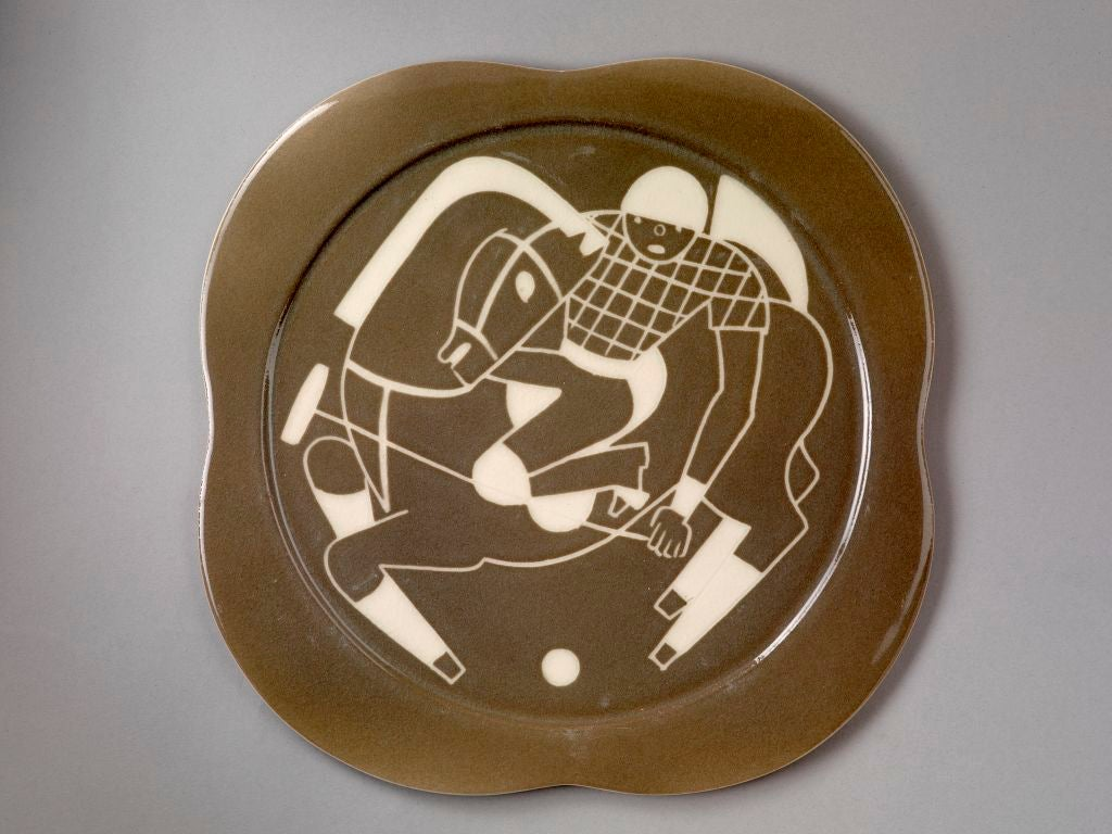 Sgraffito ceramic 'Polo' plates by Waylande Gregory For Sale 3