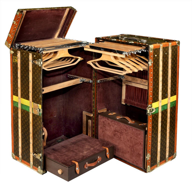 original malle armoire by louis vuitton at 1stdibs. Black Bedroom Furniture Sets. Home Design Ideas
